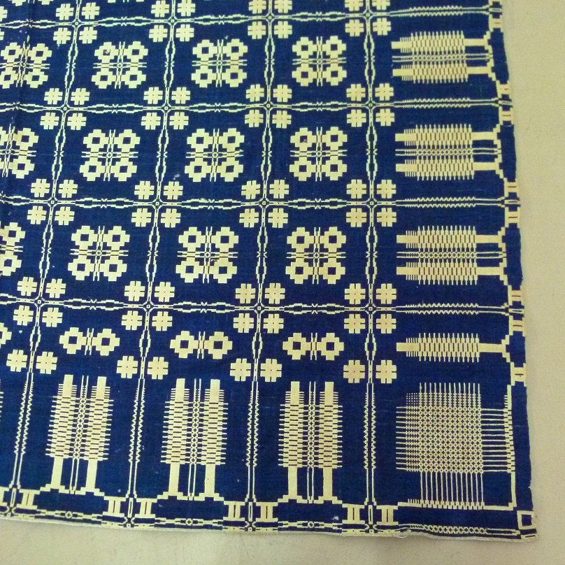 RARE PINE TREE BOARDER INDIGO/NATURAL WOOL COVERLET - 2