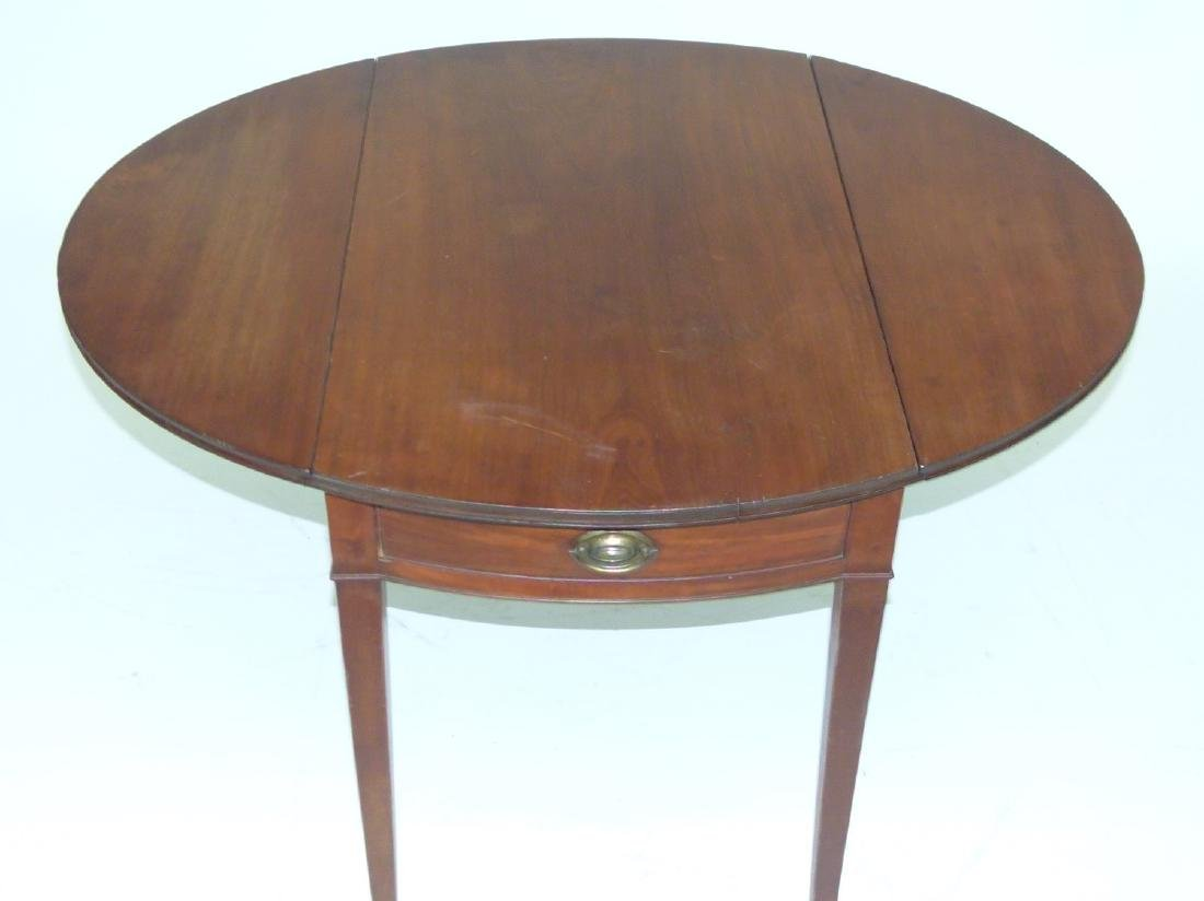 FORMAL HEPPLEWHITE MAHOGANY PEMBROKE TABLE - 5