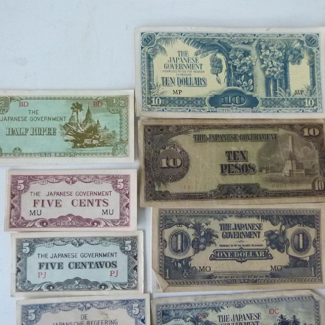 LOT WW II JAPANESE  INVASION CURRENCY, C. 1945 - 4
