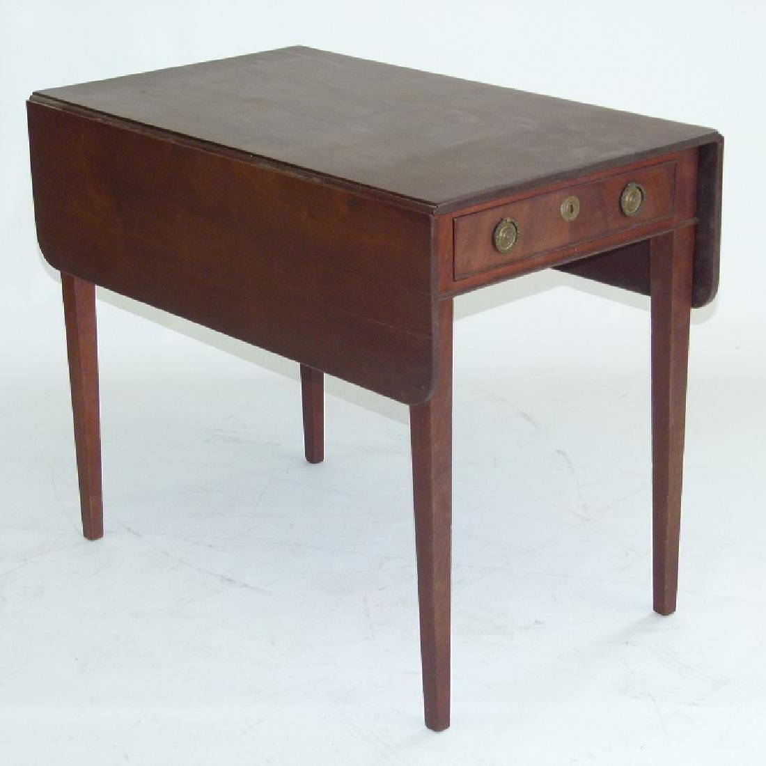 HEPPLEWHITE MAHOGANY PEMBROKE TABLE
