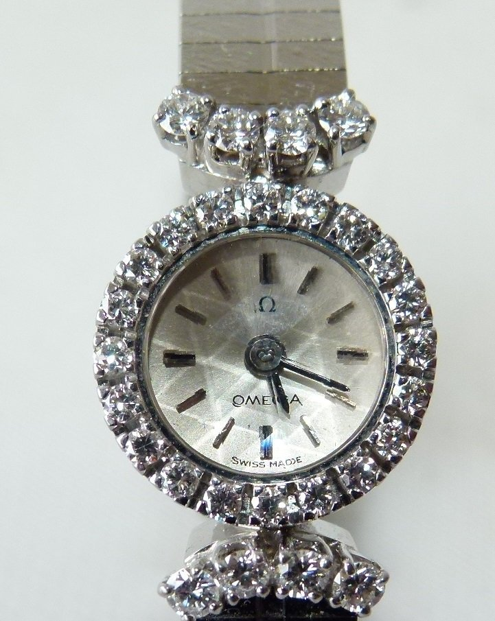 OMEGA 18KT WHITE GOLD/DIAMOND LADIES WRIST WATCH