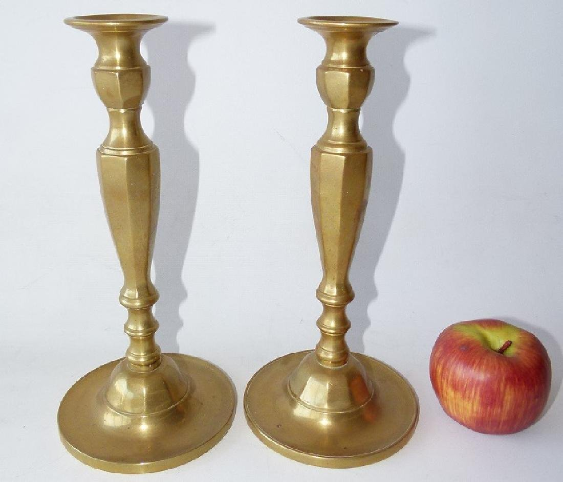 PAIR REGENCY BRASS CANDLESTICKS, 19TH C. - 2