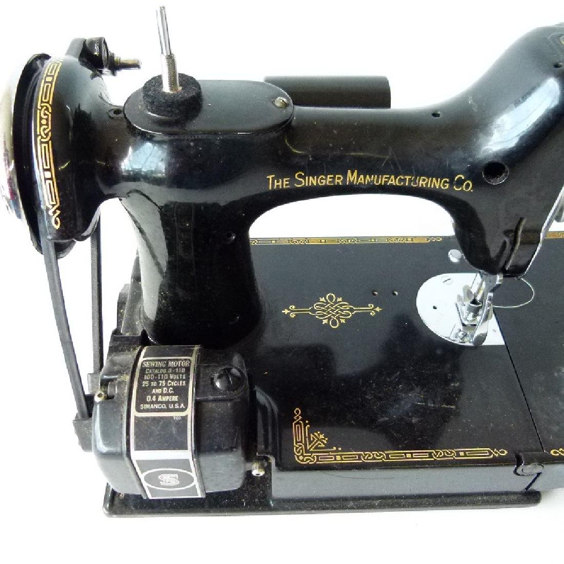 SINGER FEATHER LIGHT SEWING MACHINE - 6