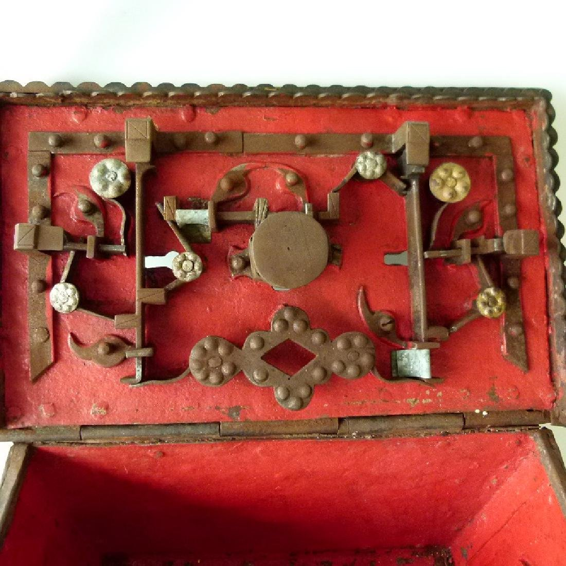 CONTINENTAL FORGED IRON STRONG BOX, 16/17TH C. - 9