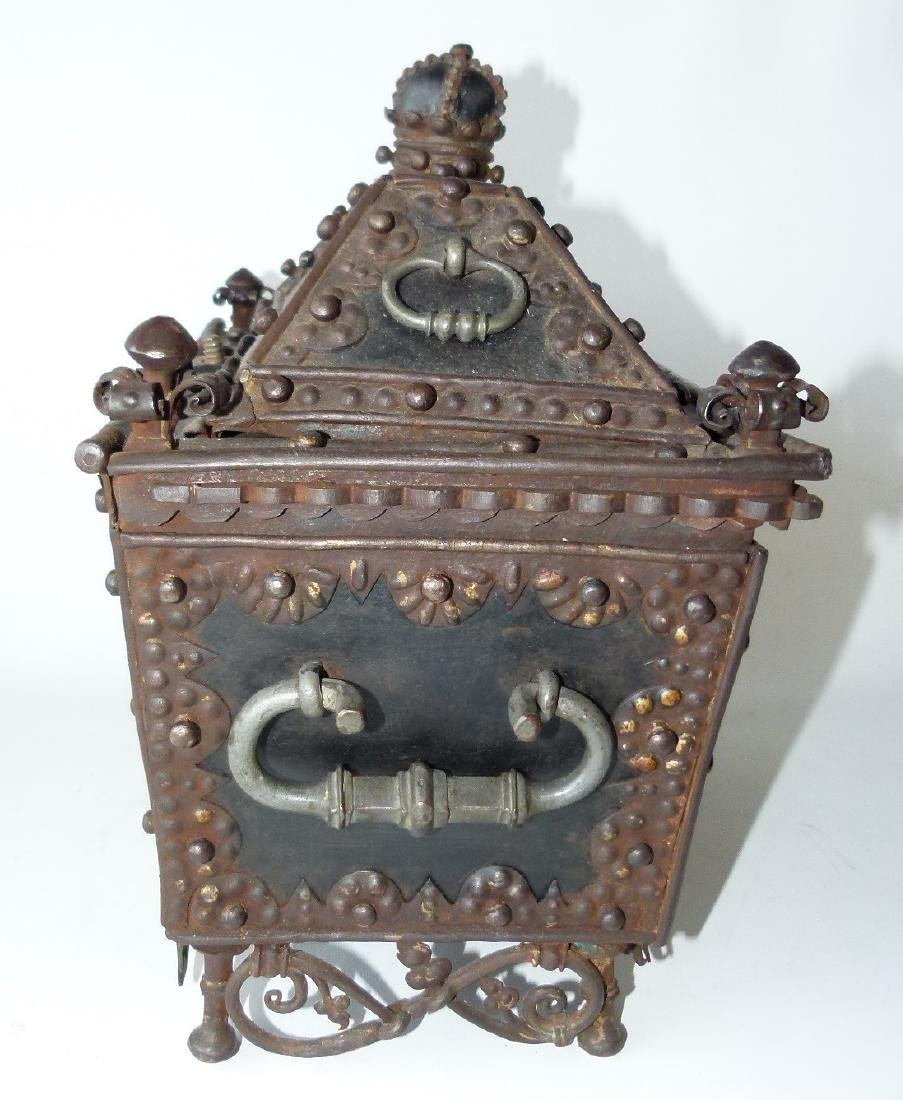 CONTINENTAL FORGED IRON STRONG BOX, 16/17TH C. - 2