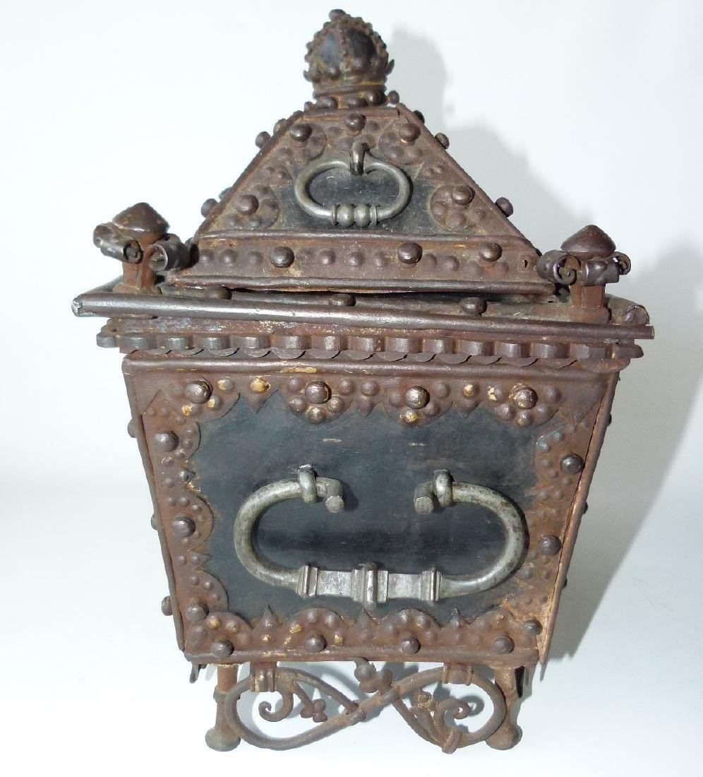 CONTINENTAL FORGED IRON STRONG BOX, 16/17TH C. - 4