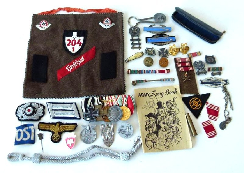 WWII GERMAN/US MILITARY PINS, BUTTONS, BADGES