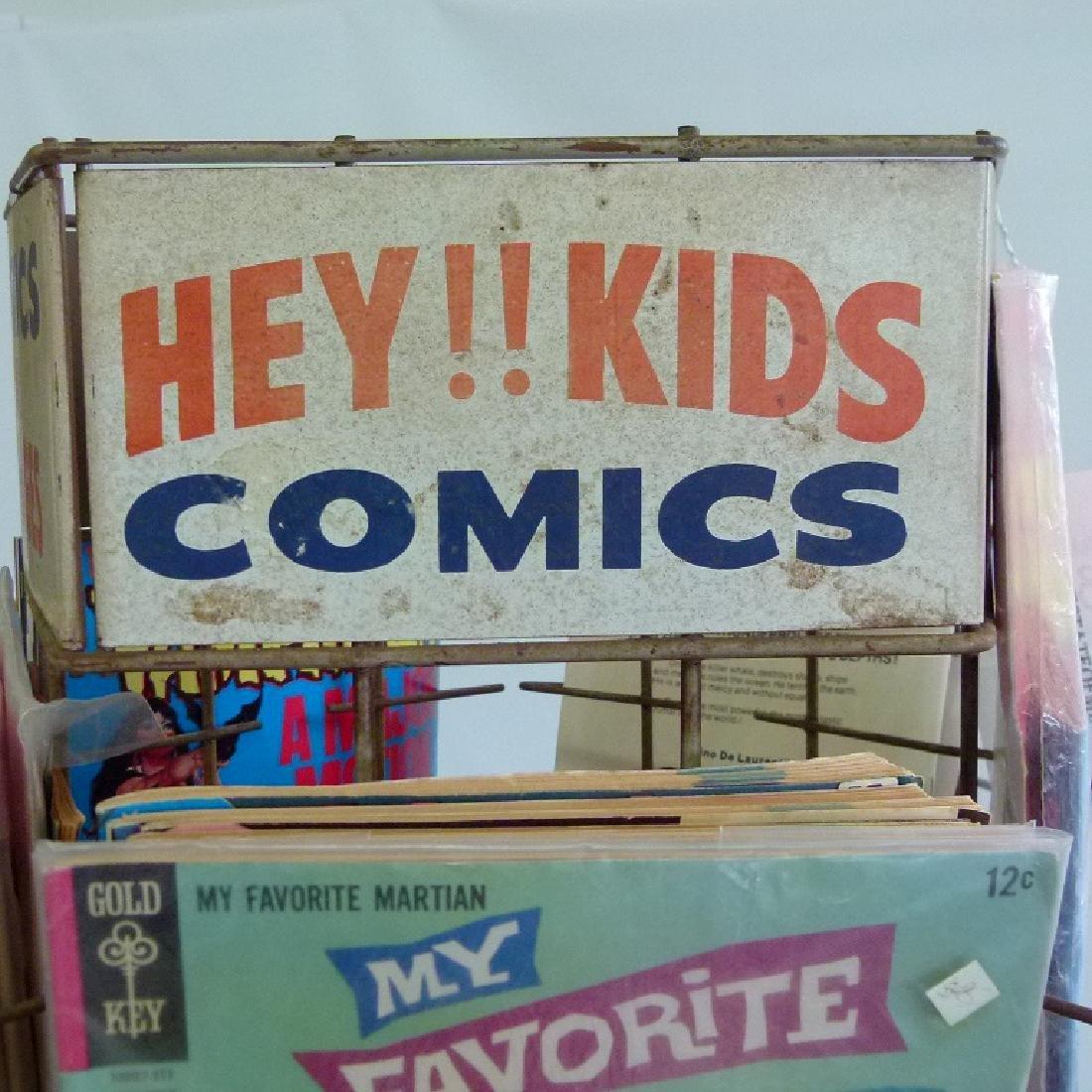 """VINTAGE COMIC BOOK """"MERRY-GO-ROUND"""" W/COMICS - 3"""