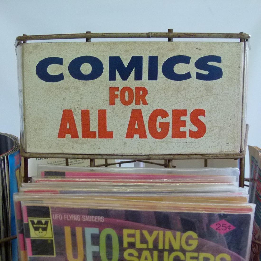 """VINTAGE COMIC BOOK """"MERRY-GO-ROUND"""" W/COMICS - 4"""