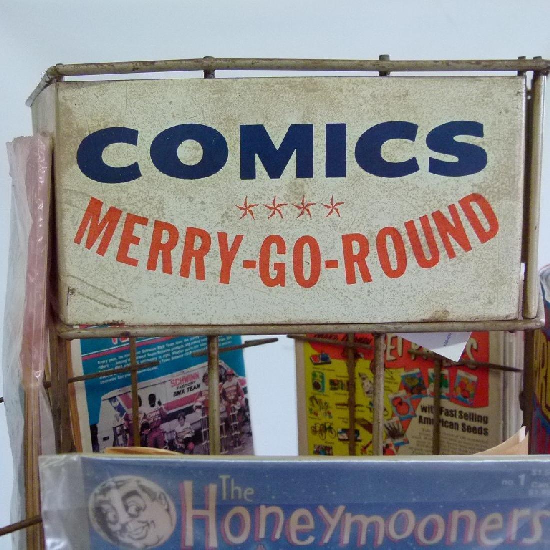 """VINTAGE COMIC BOOK """"MERRY-GO-ROUND"""" W/COMICS - 6"""