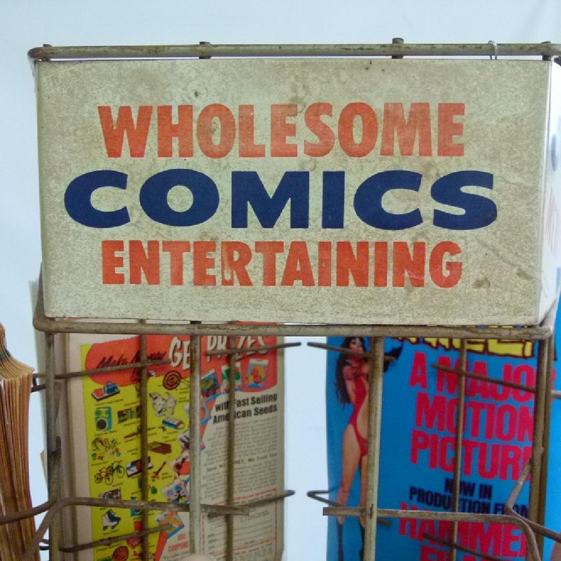 """VINTAGE COMIC BOOK """"MERRY-GO-ROUND"""" W/COMICS - 7"""
