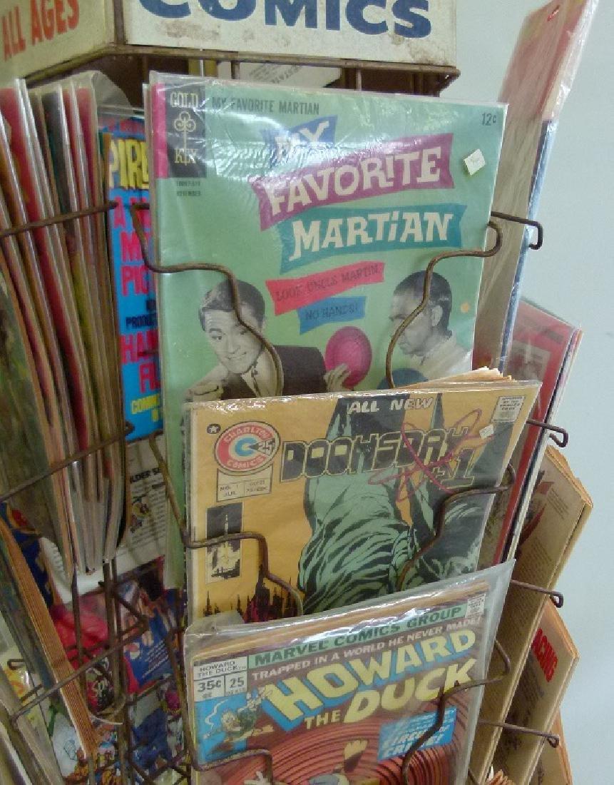 """VINTAGE COMIC BOOK """"MERRY-GO-ROUND"""" W/COMICS - 9"""