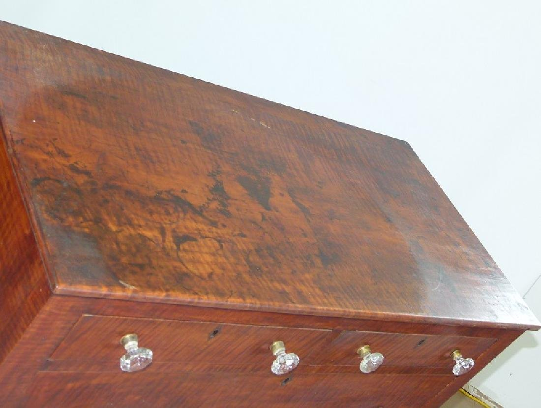SHERATON CARVED TIGER MAPLE 2/4 CHEST OF DRAWERS - 4