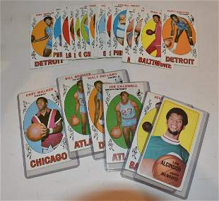 LOT (23) 1969/70 TOPPS BASKETBALL CARDS (EXCELLENT-