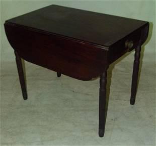 NEW YORK SHERATON MAHOGANY PEMBROKE TABLE, C. 1830