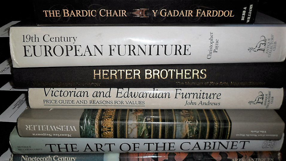 LOT (7) VOLUMES ASSORTED FURNITURE REFERENCE BOOKS