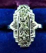 ART DECO 14 KT WHITE GOLD/DIAMOND RING W/ 3 DIAMOND