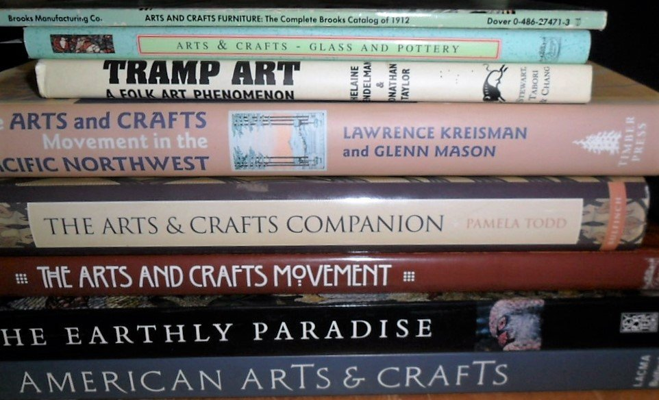 LOT (8) VOLUMES ARTS & CRAFTS INCL. A & C MOVEMENT