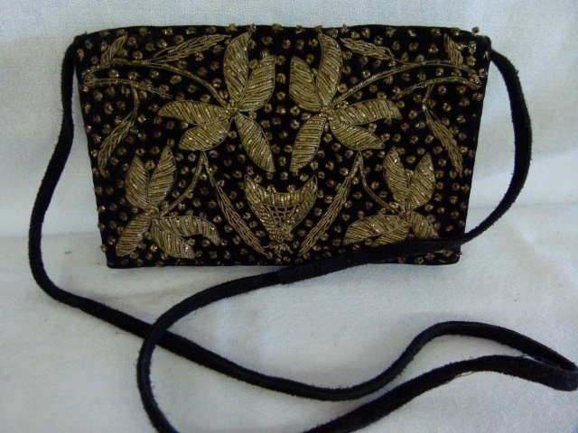 LOT (4) VINTAGE HAND STITCHED BAGS - 3