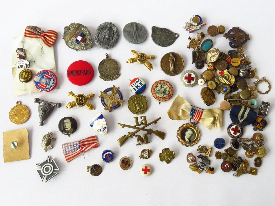 LOT ASSORTED MILITARY/POLITICAL BUTTONS/PINS