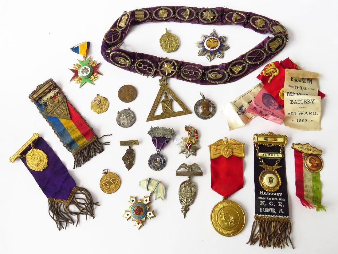 LOT VICTORIAN/ART DECO MASONIC PINS, BUTTONS & BADGES