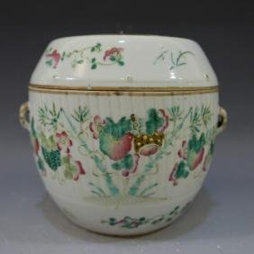 ANTIQUE CHINESE FAMILLE ROSE COVER BOWL.  19TH CENTURY