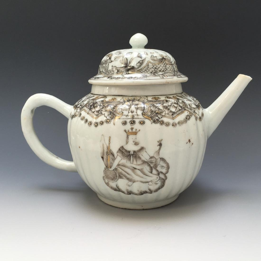 CHINESE FINE ARMORIAL TEAPOT, 18TH C