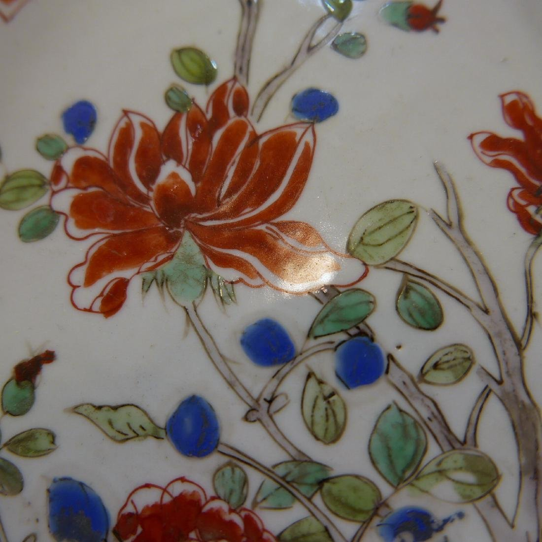CHINESE ANTIQUE FAMILLE ROSE PORCELAIN PLATE - 17TH - 6
