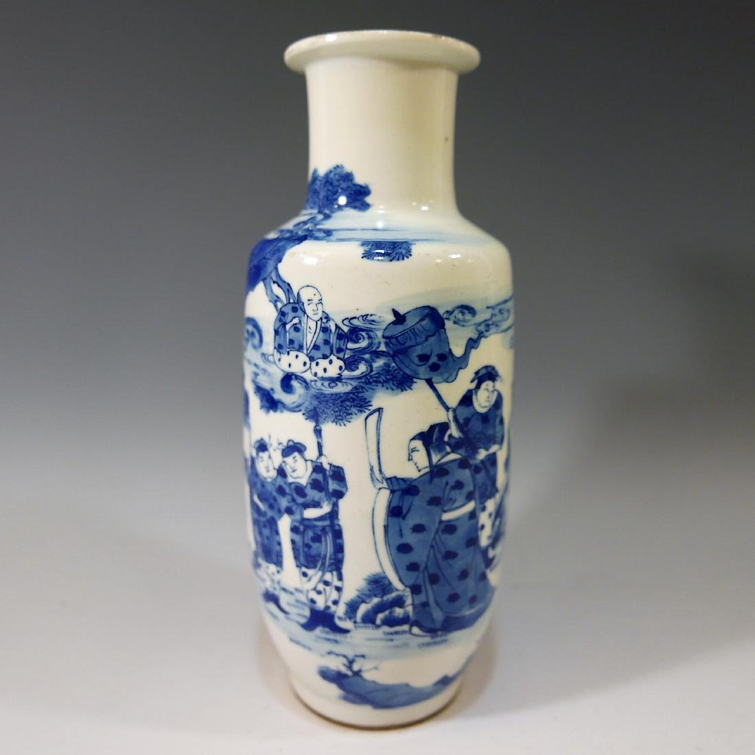 CHINESE ANTIQUE BLUE AND WHITE VASE - 18TH CENTURY