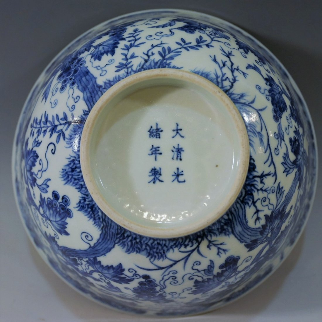 LARGE CHINESE ANTIQUE BLUE WHITE PORCELAIN BOWL -