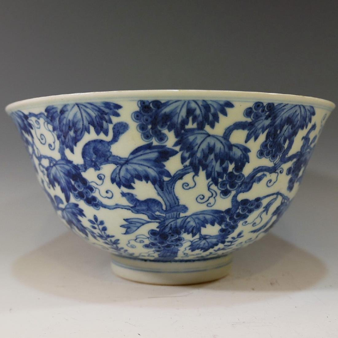 LARGE CHINESE ANTIQUE BLUE WHITE PORCELAIN BOWL - - 2