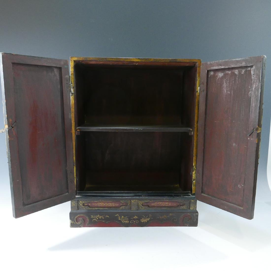 CHINESE ANTIQUE PAINTED LACQUER WOOD CABINET - QING - 3