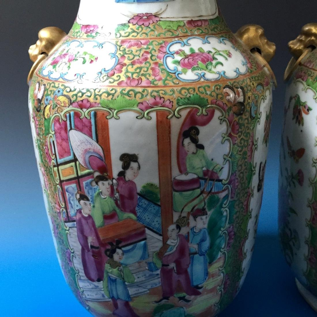 A PAIR CHINESE ANTIQUE FAMILLE ROSE PORCELAIN VASES, - 3