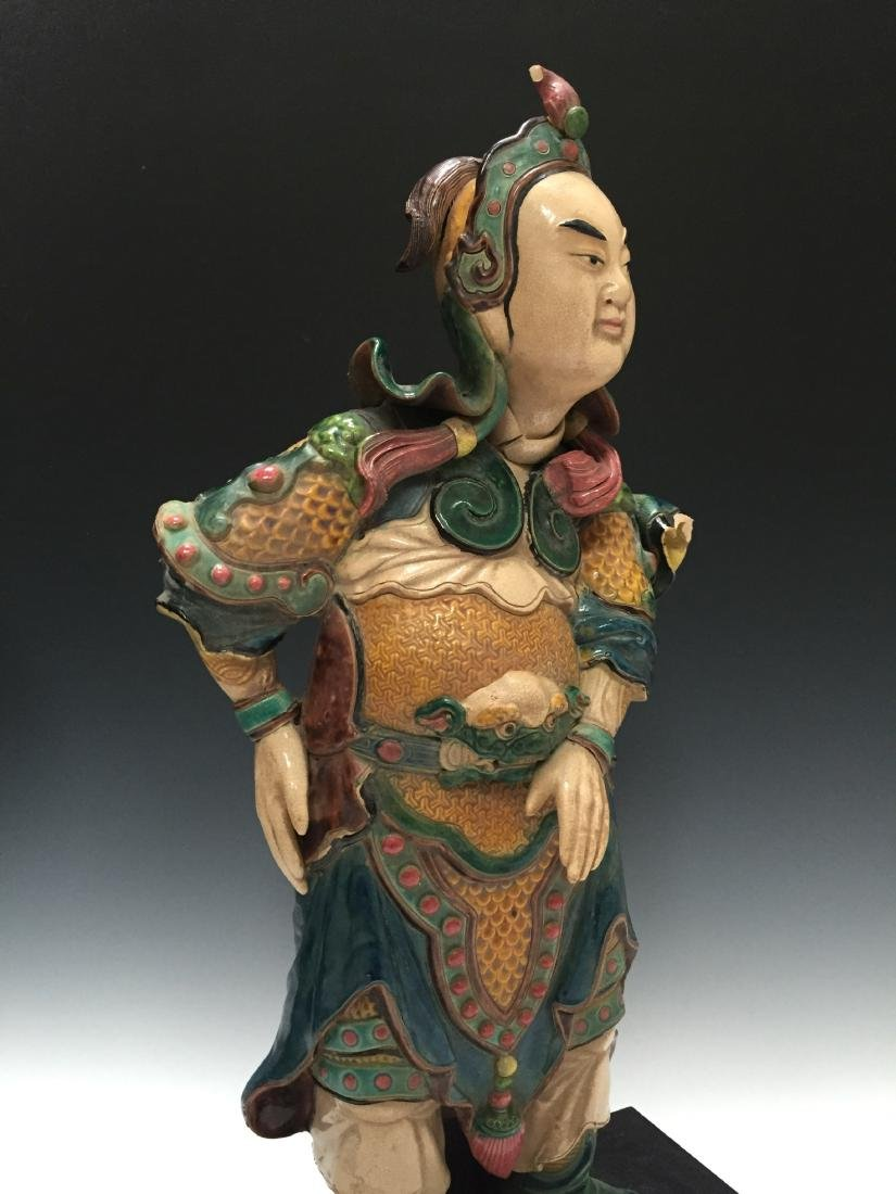 A CHINESE ANTIQUE POLYCHROME DECORATED FIGURE - 2