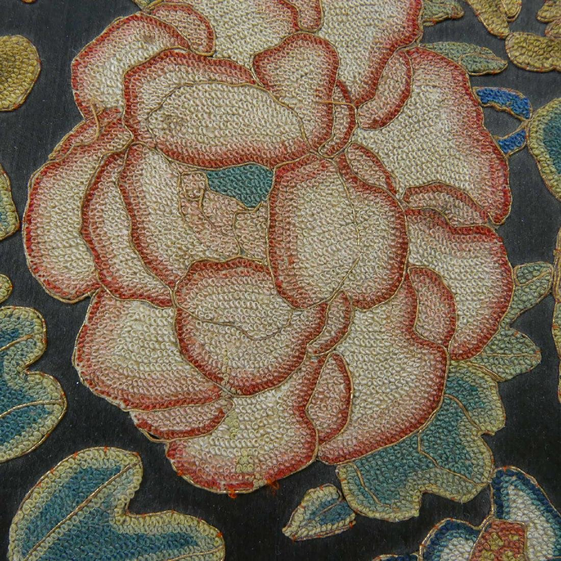 ANTIQUE CHINESE KESI SILK EMBROIDERED JEWELRY BOX - 2