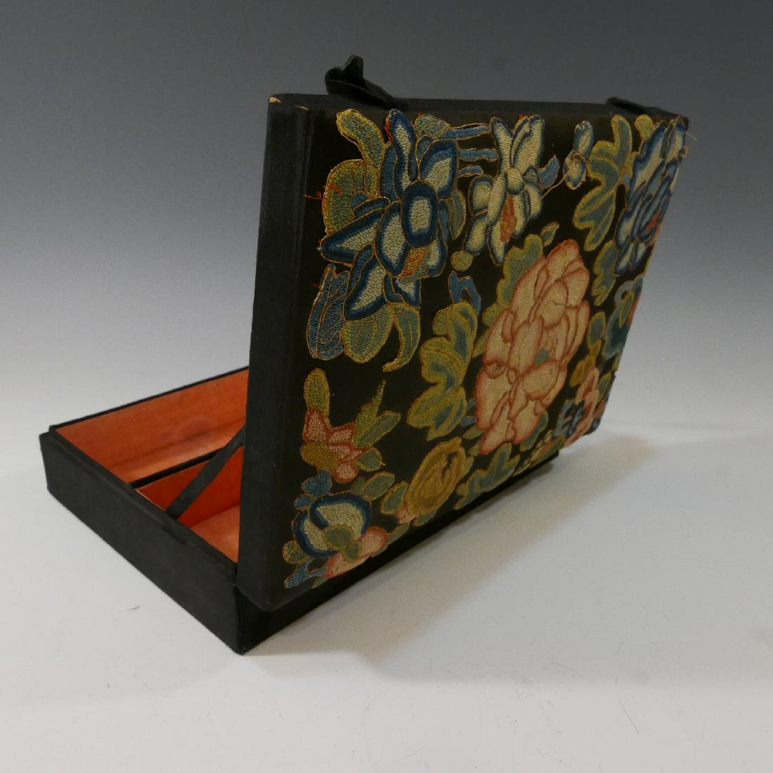 ANTIQUE CHINESE KESI SILK EMBROIDERED JEWELRY BOX - 7