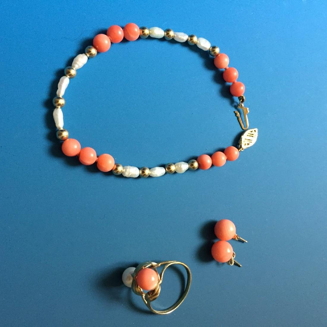 A SET OF 14K PINK CORAL AND PEARL JEWELRY