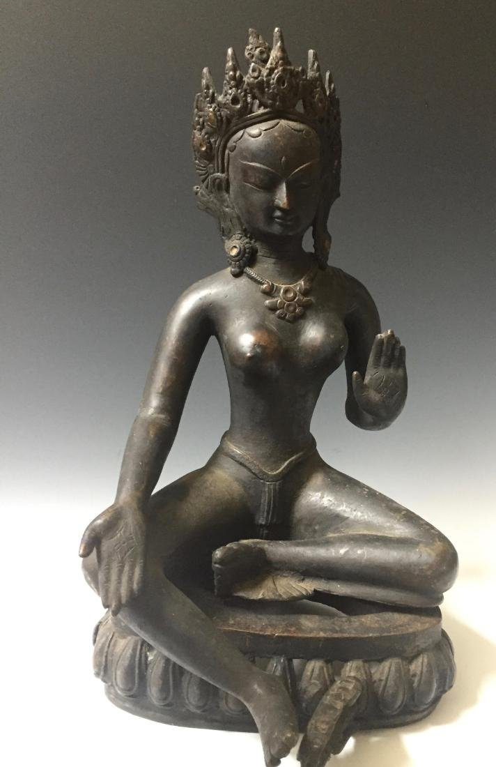 CHINESE ANTIQUE BRONZE OF GUANYIN