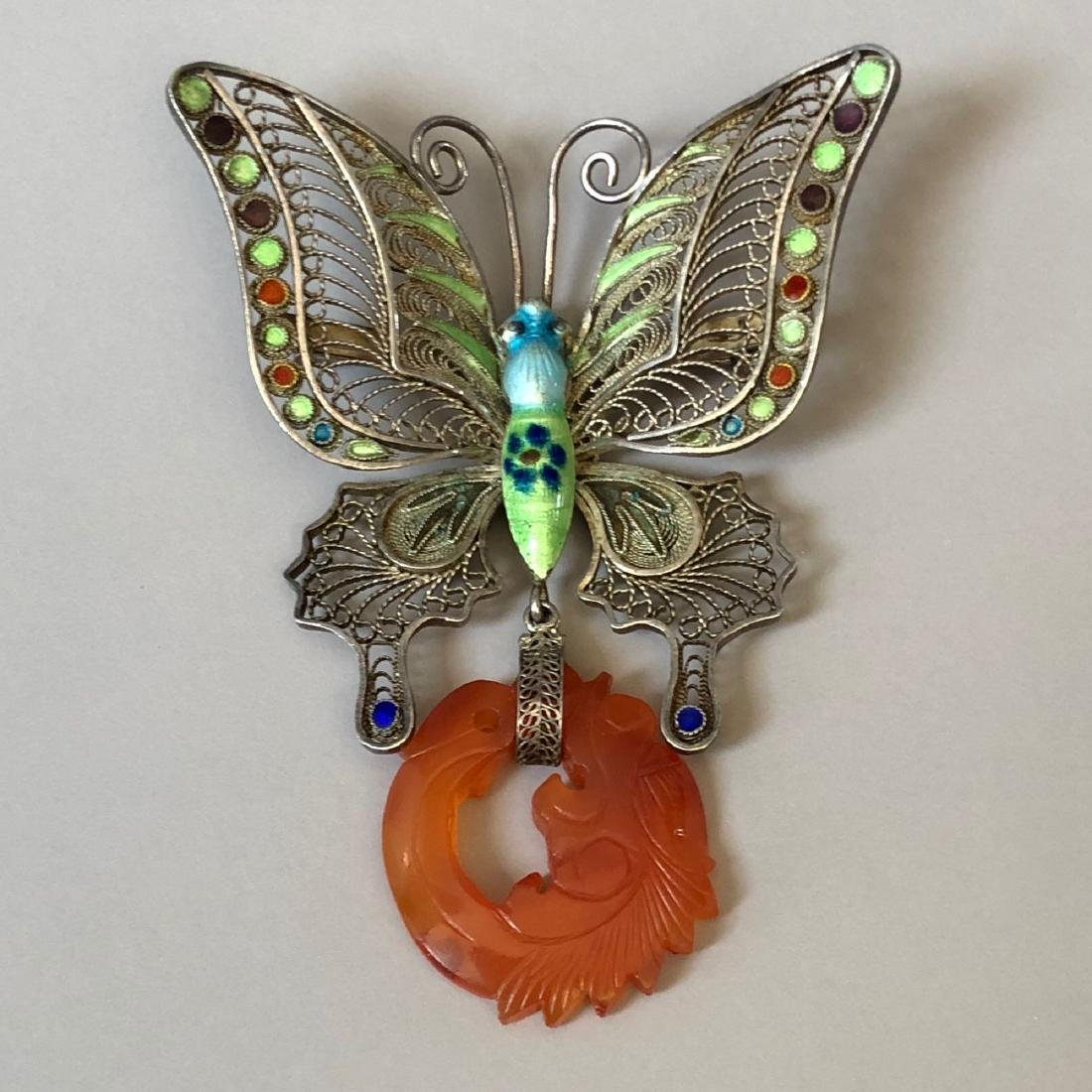 A FINE SILVER BUTTERFLY AND AGATE PIN