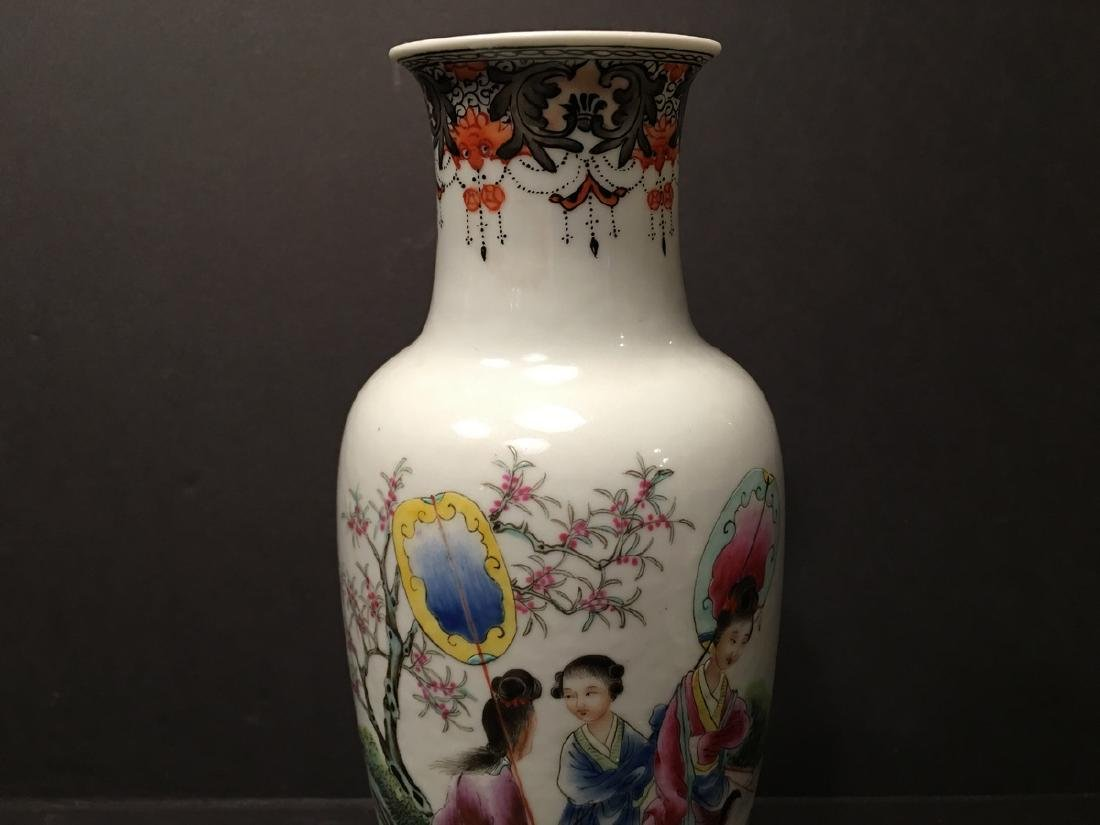 """ANTIQUE Chinese Famille Rose Vase, late Qing.  9"""" high. - 2"""