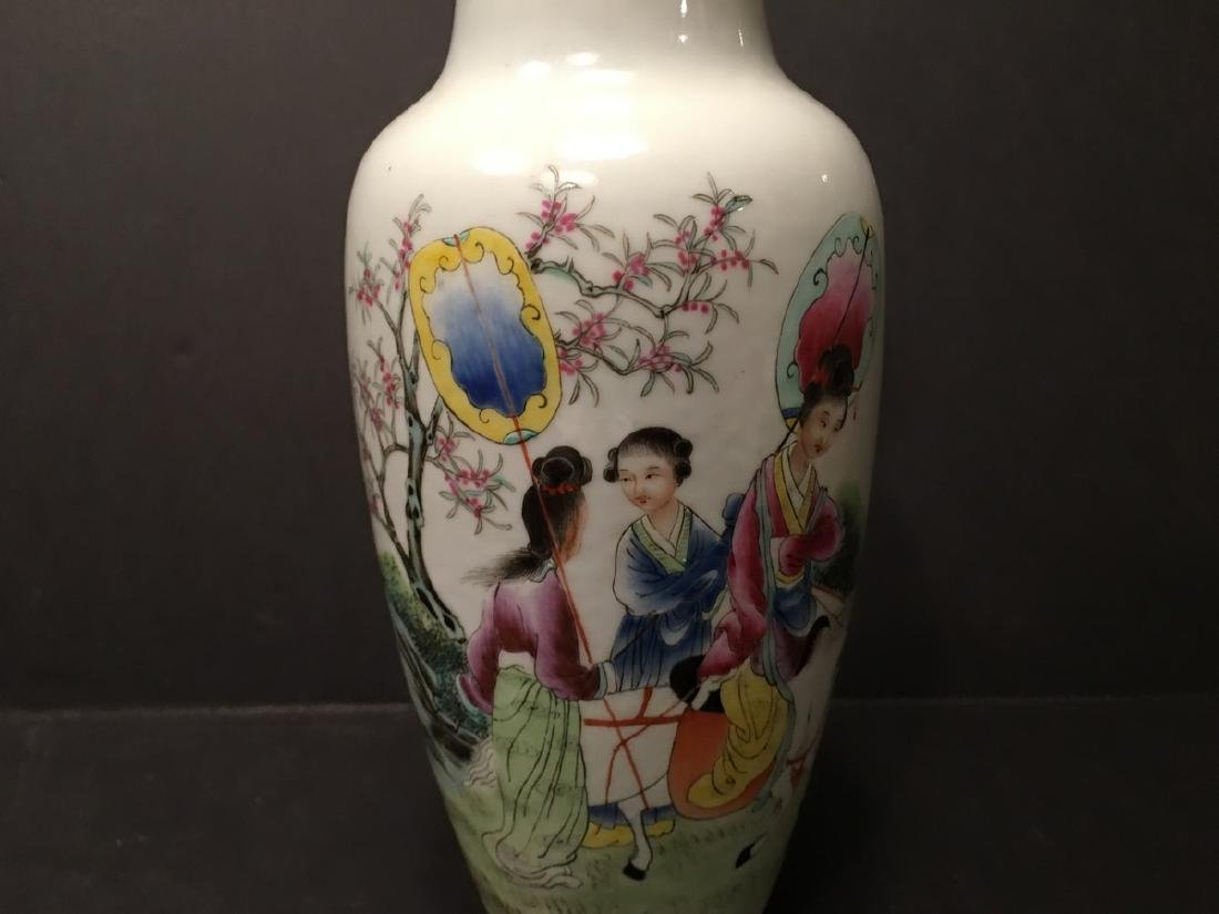 """ANTIQUE Chinese Famille Rose Vase, late Qing.  9"""" high. - 3"""