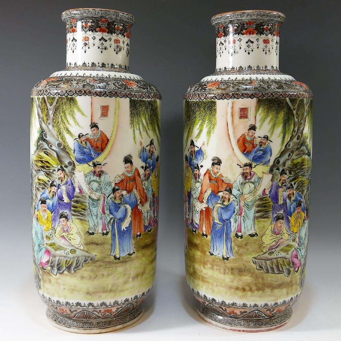 PAIR CHINESE ANTIQUE FAMILLE ROSE PORCELAIN VASE -
