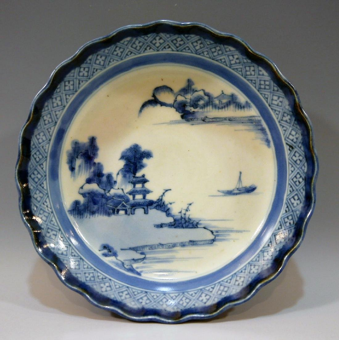 CHINESE ANTIQUE BLUE WHITE PORCELAIN PLATE - 18TH