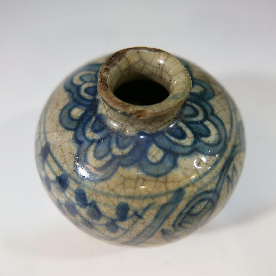 CHINESE ANTIQUE BLUE AND WHITE JAR - MING DYNASTY - 4