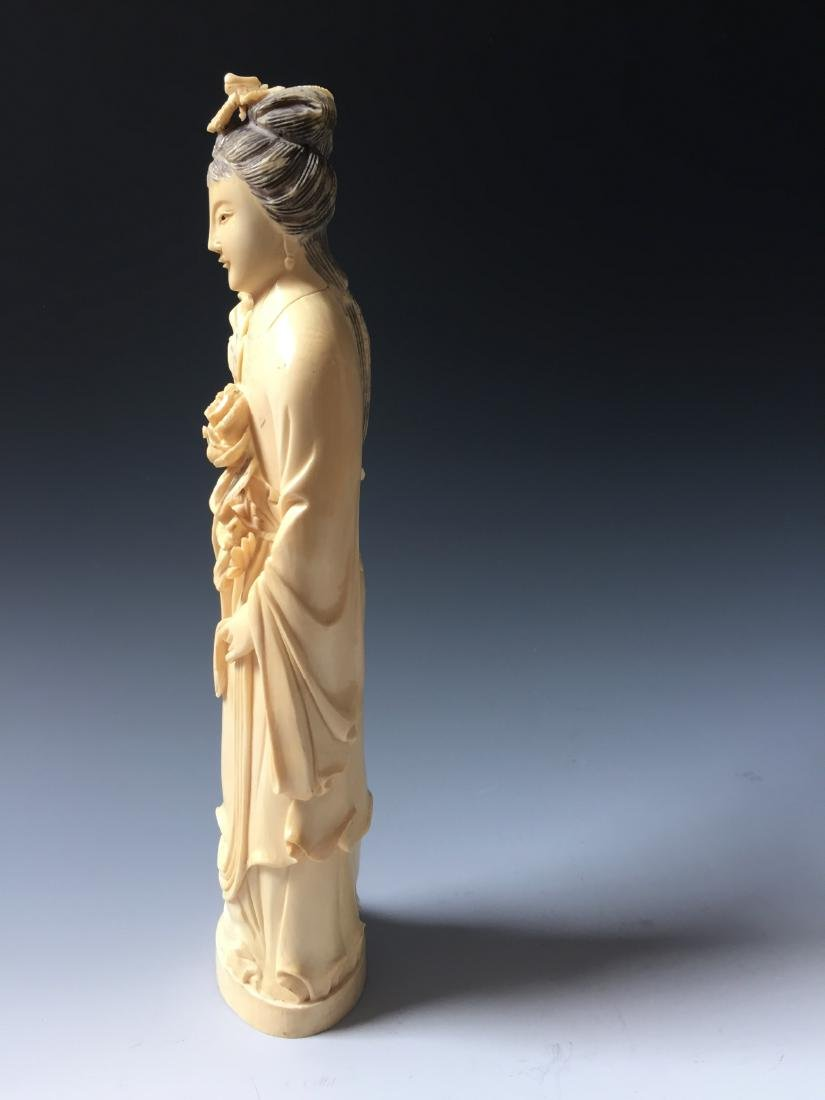 A BEAUTIFUL CHINESE ANTIQUE FIGURE CARVING - 4