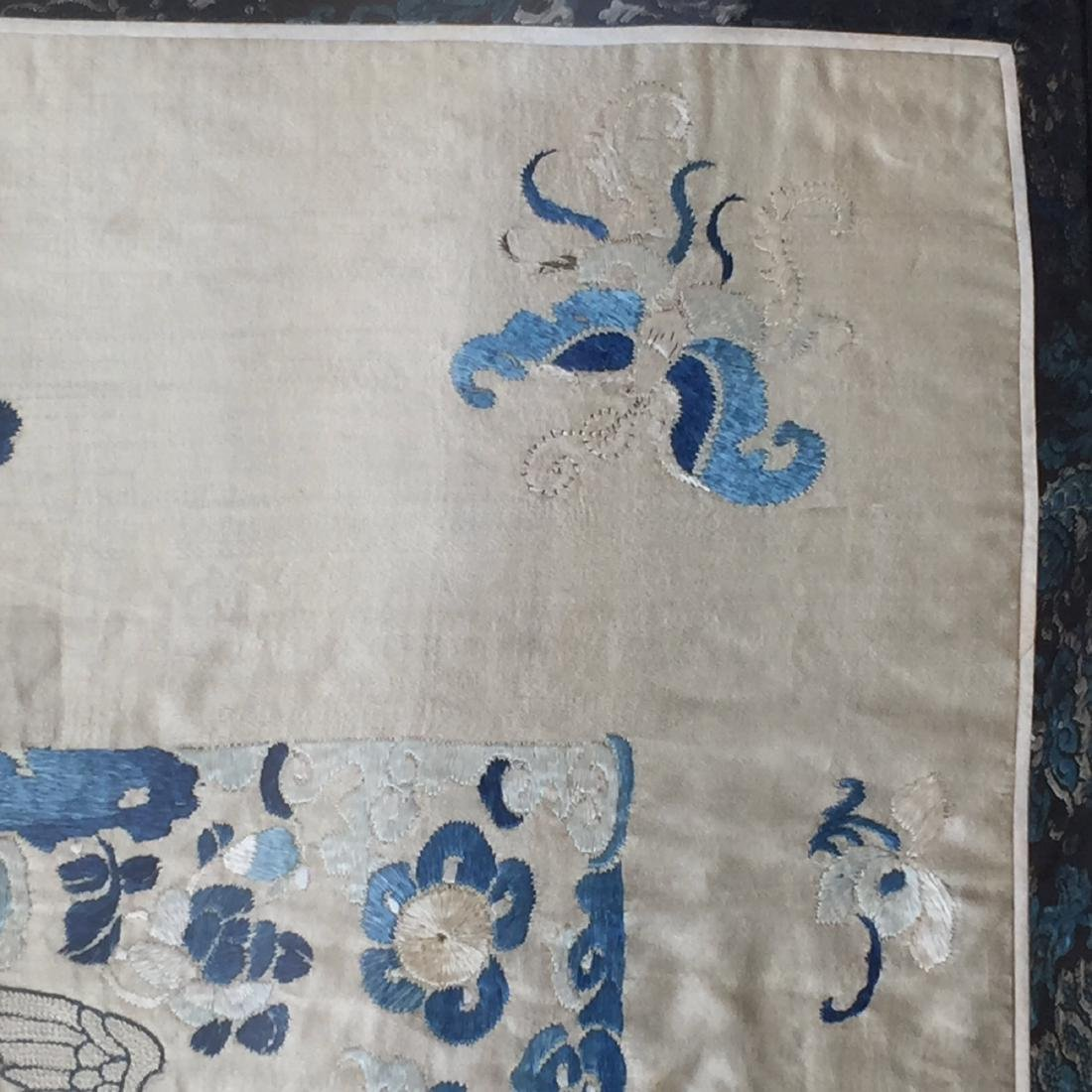 A FINE CHINESE ANTIQUE EMBROIDERED PANEL - 3