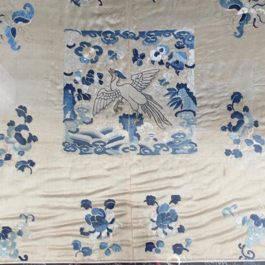 A FINE CHINESE ANTIQUE EMBROIDERED PANEL - 4