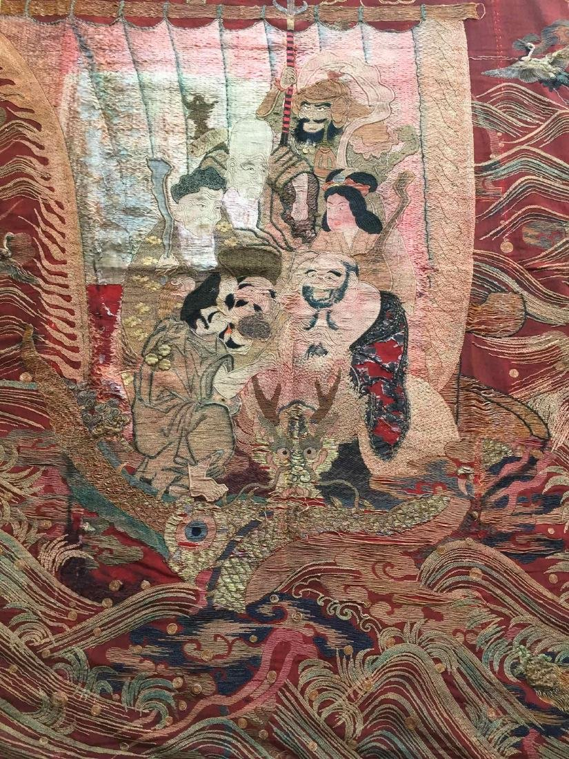 A LARGE CHINESE ANTIQUE EMBROIDERED PANEL