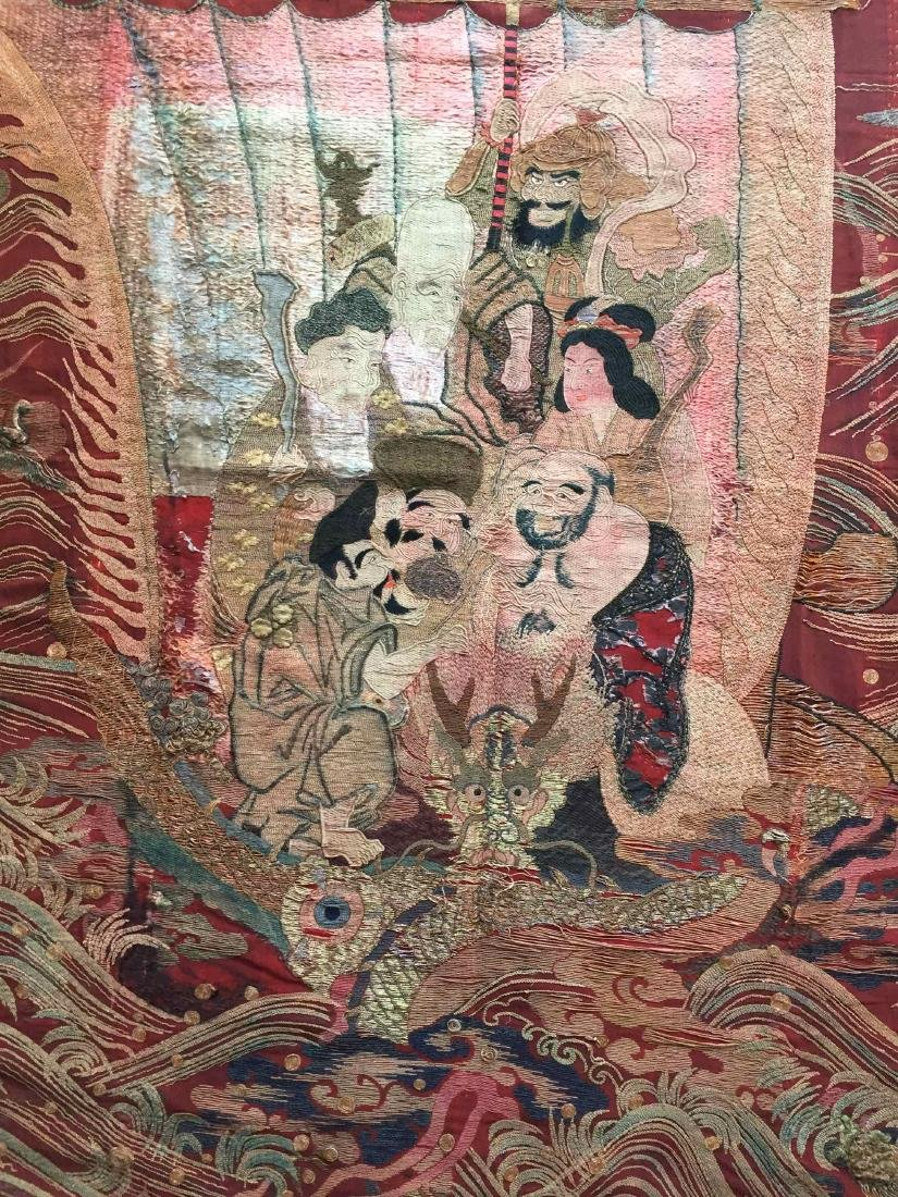 A LARGE CHINESE ANTIQUE EMBROIDERED PANEL - 3