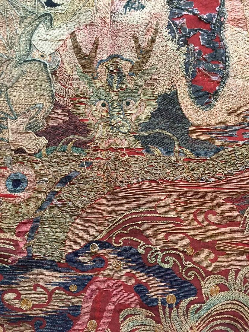 A LARGE CHINESE ANTIQUE EMBROIDERED PANEL - 4